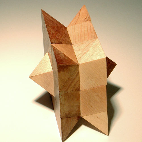 File:Dual Rhombic Pyramid Bubinga Maple 2.jpg